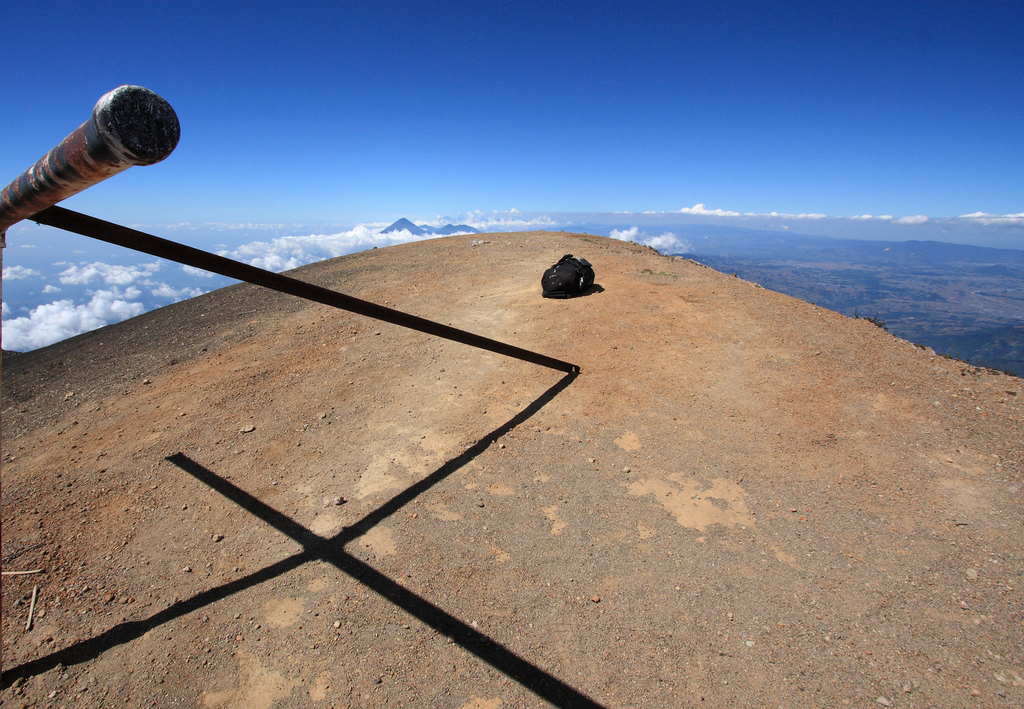 Acatenango summit marker