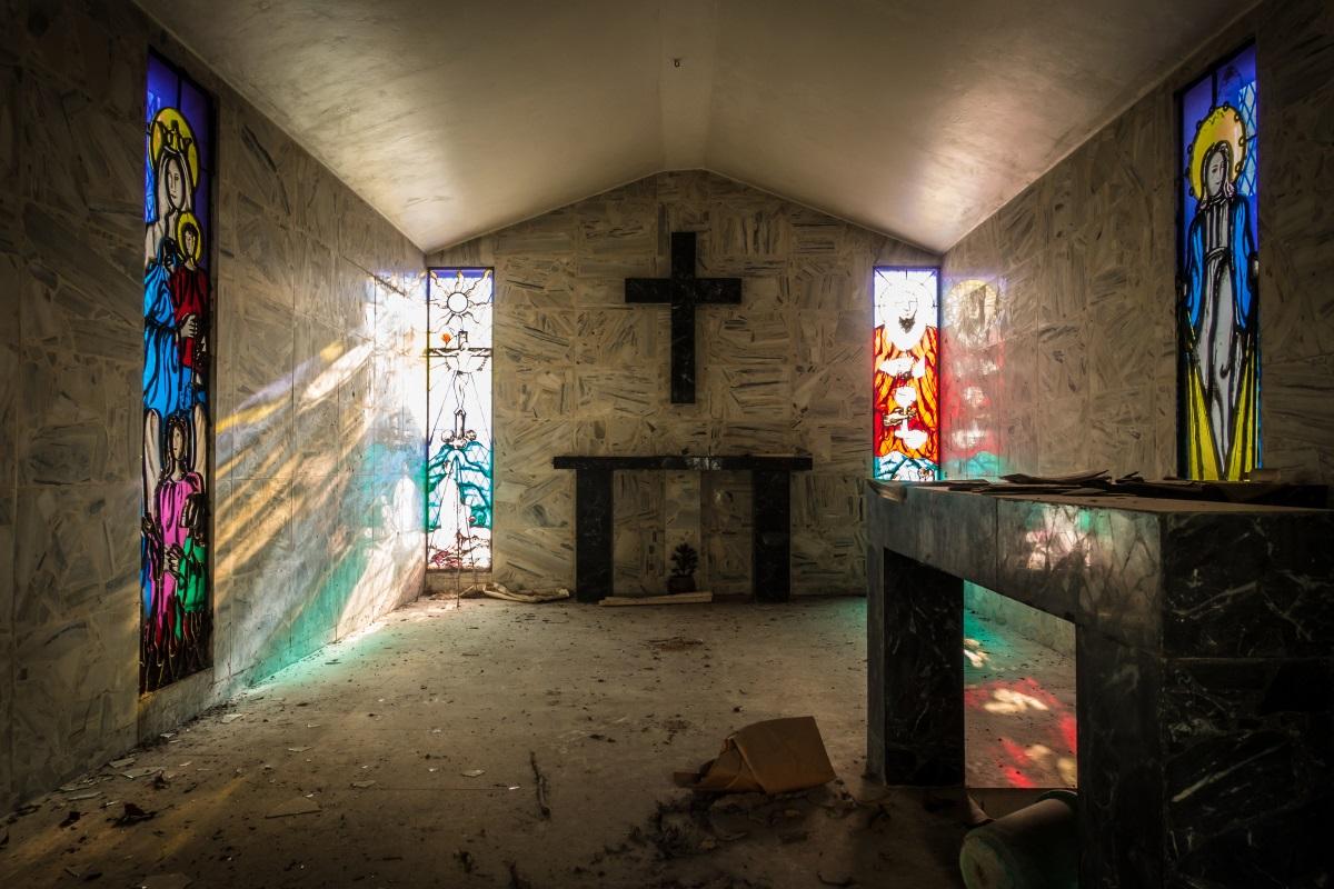 Inside tomb in Cementerio de Los Ilustres