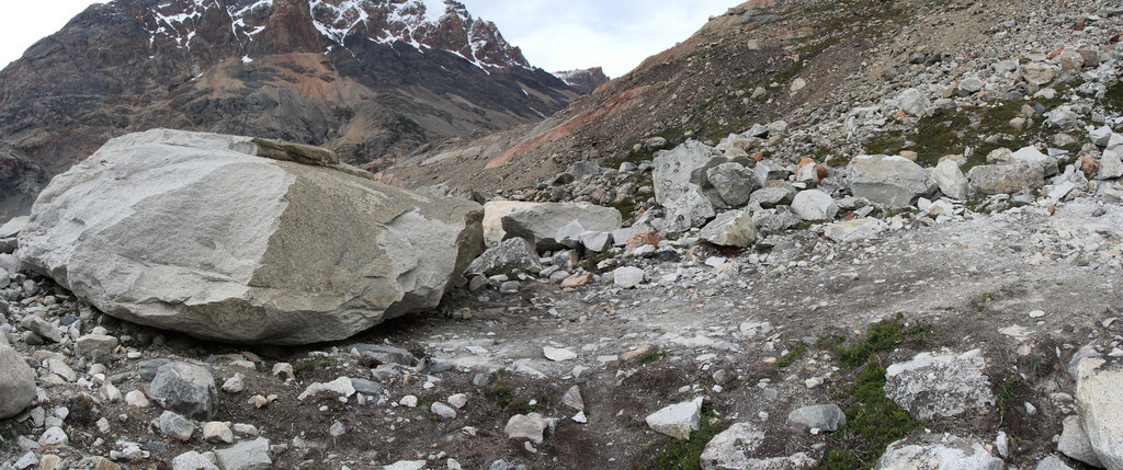 Trail to glacier Pollone