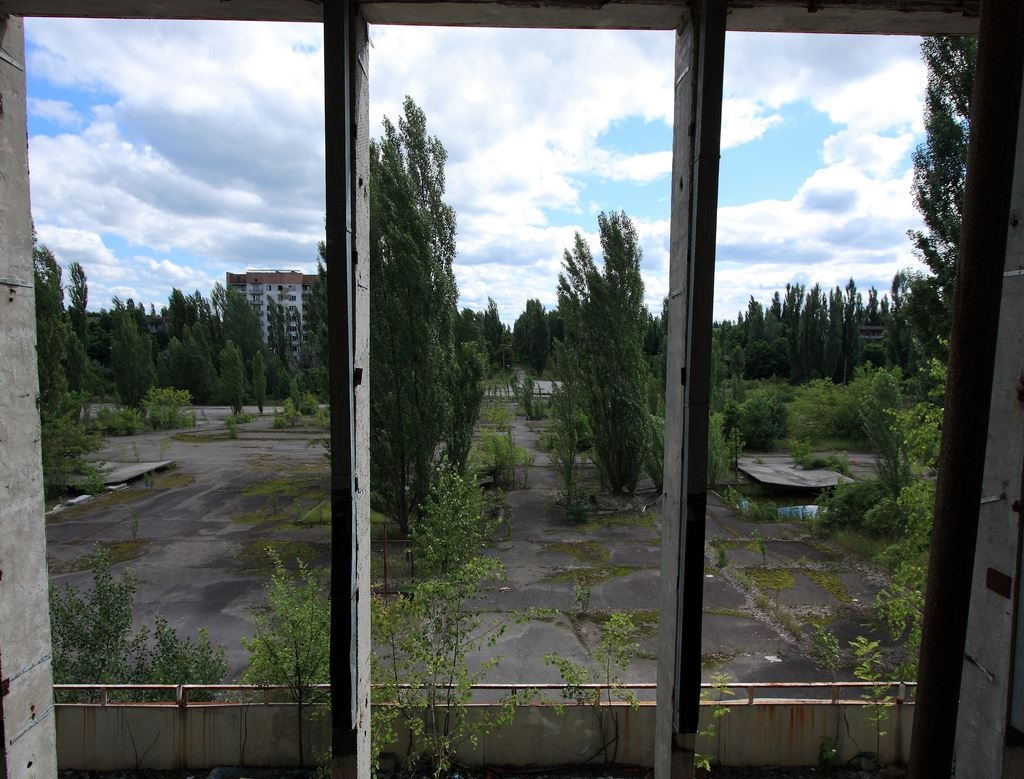 Abandoned courtyard, Pripyat