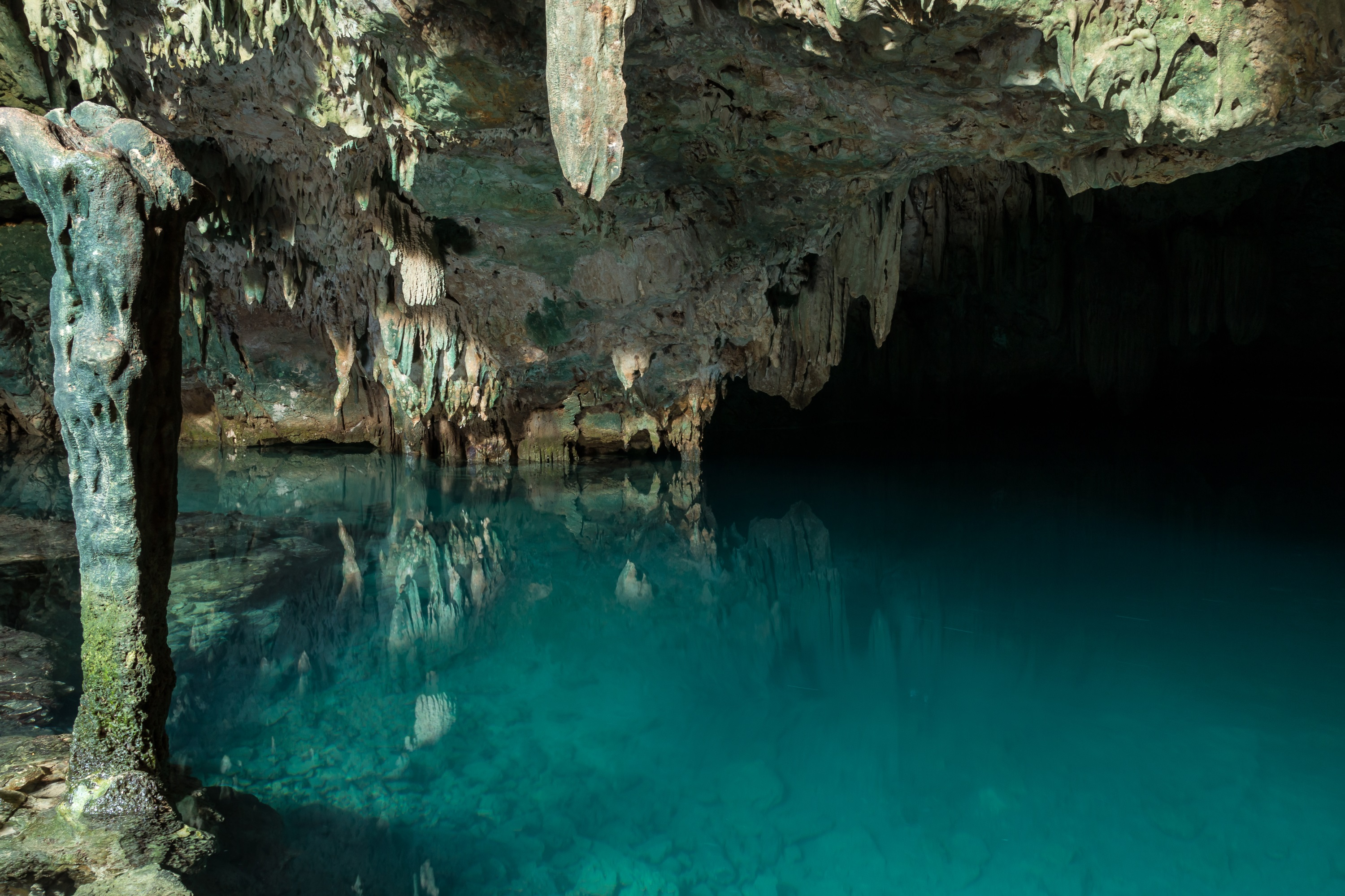 Gua Rangko and Batu Cermin - caves near Labuan Bajo