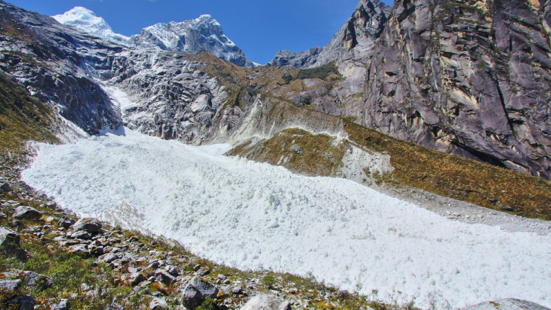 Huandoy ice falls
