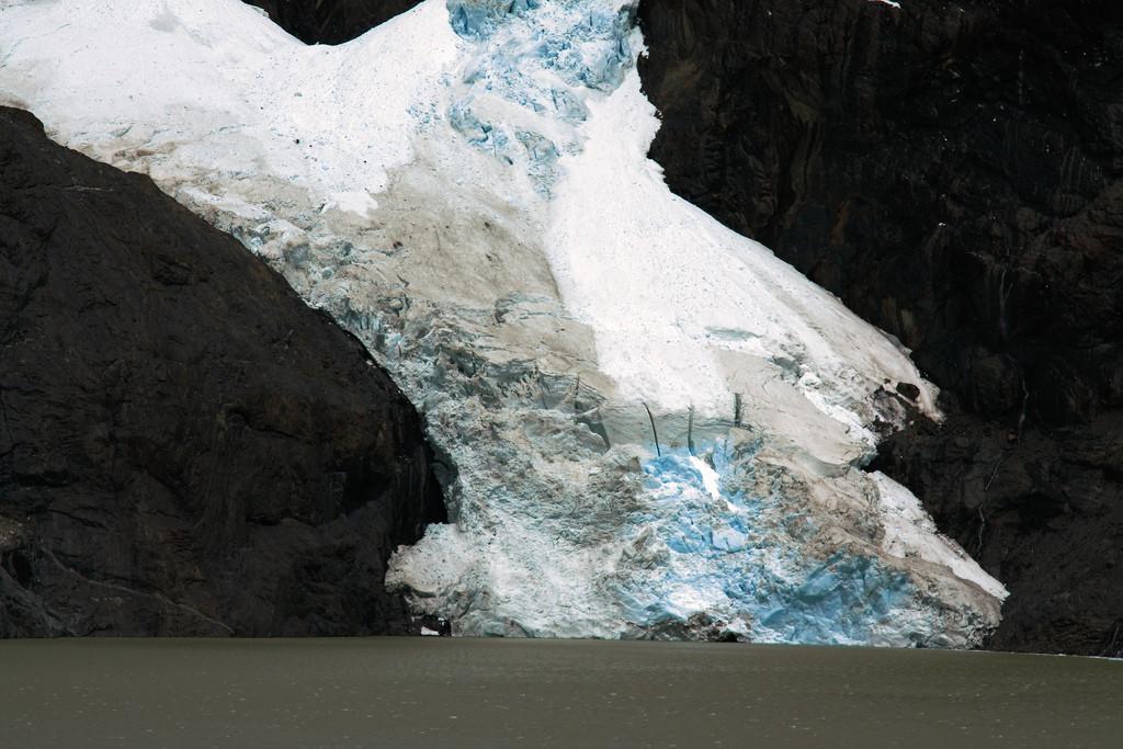 Glacier Los Perros closeup