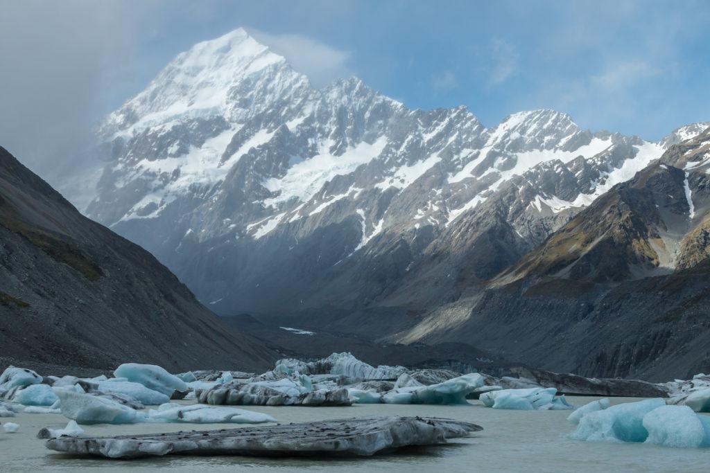 Hooker valley icebergs