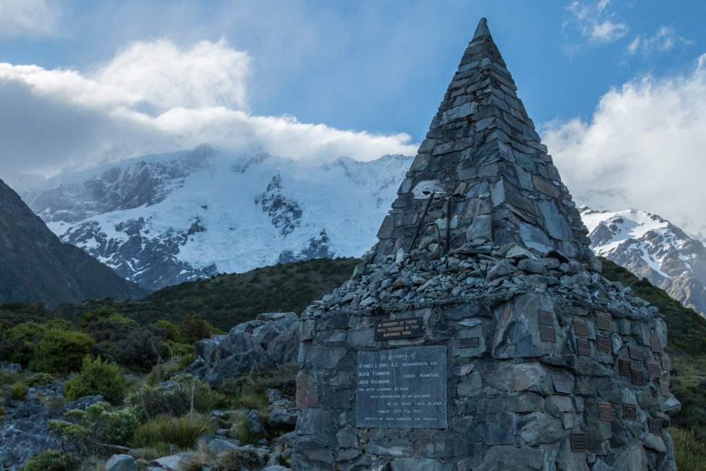 Alpine memorial on Hooker valley trail