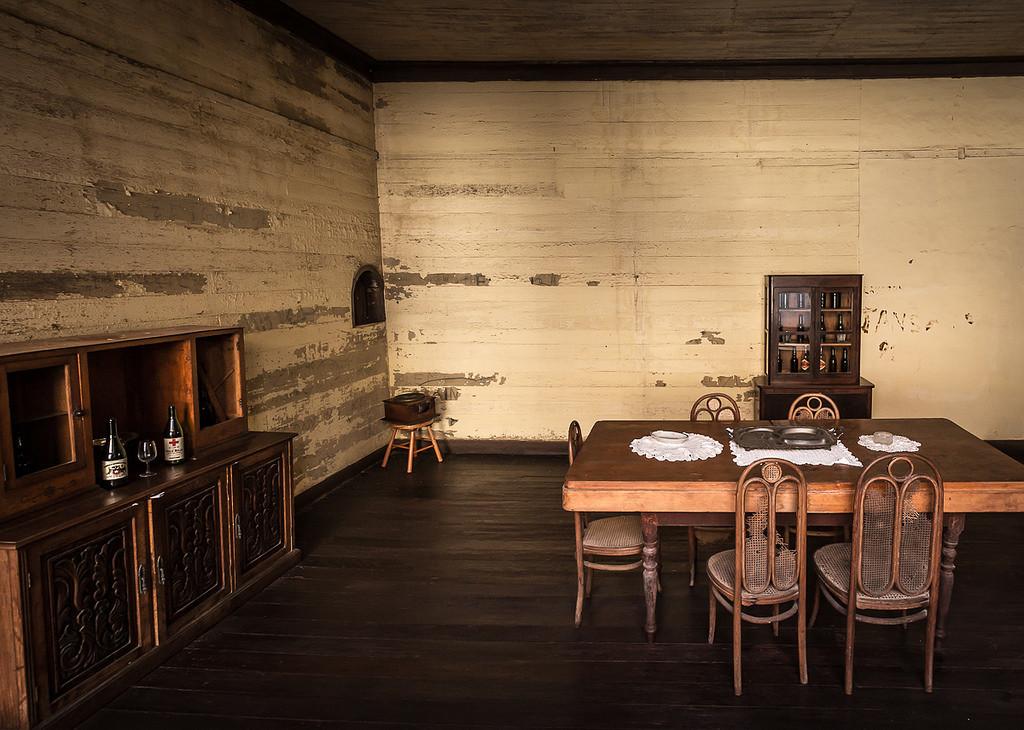Santa Laura room